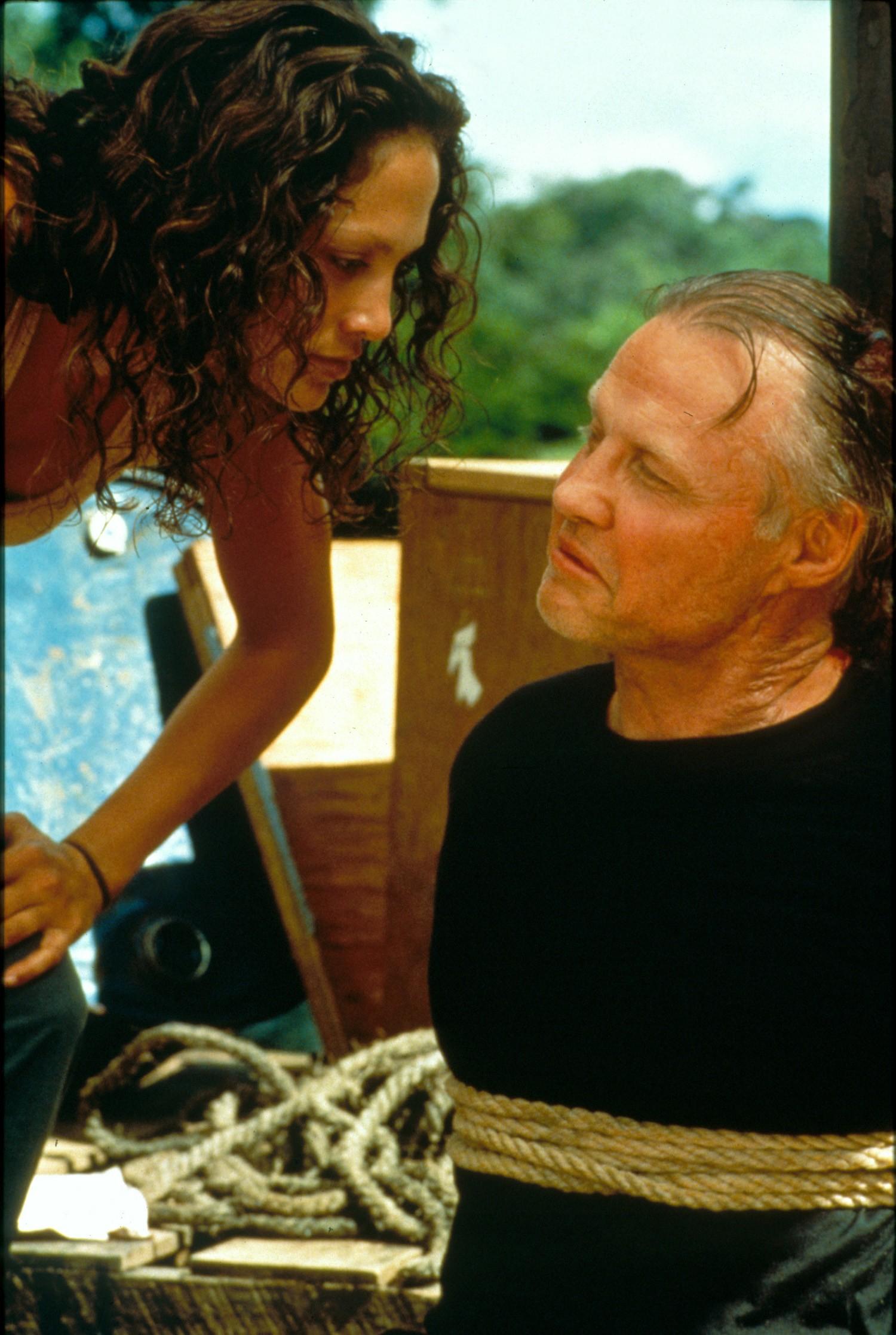 Jennifer Lopez,Jon Voight