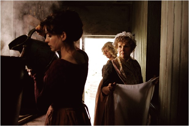 Anne Hathaway,Julie Walters