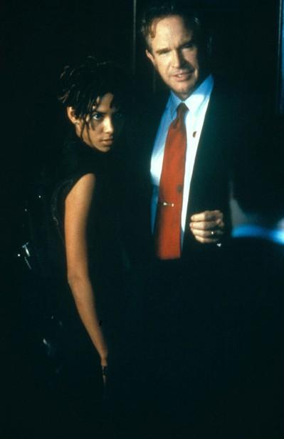 Halle Berry,Warren Beatty