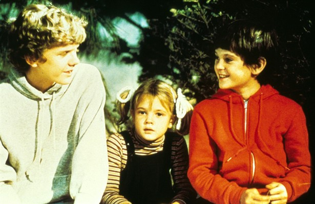 Drew Barrymore,Henry Thomas