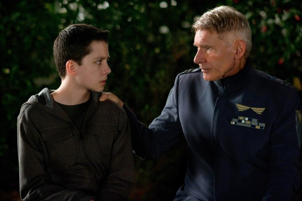 Asa Butterfield,Harrison Ford