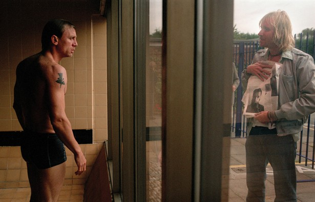 Daniel Craig,Rhys Ifans