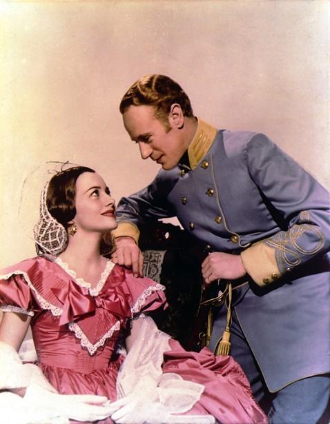 Leslie Howard,Olivia de Havilland