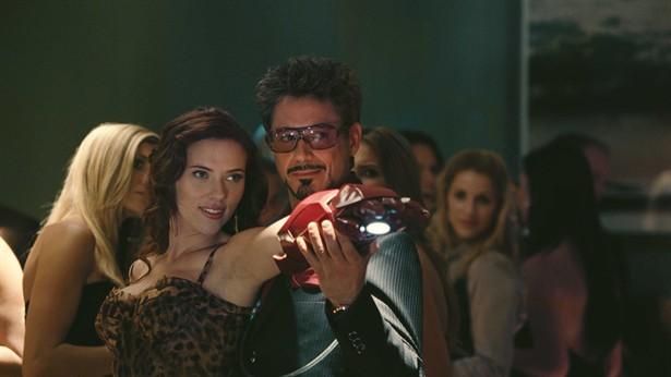 Robert Downey Jr.,Scarlett Johansson