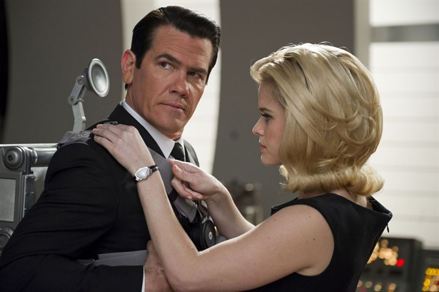 Alice Eve,Josh Brolin
