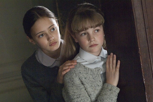 Ella Purnell,Izzy Meikle-Small