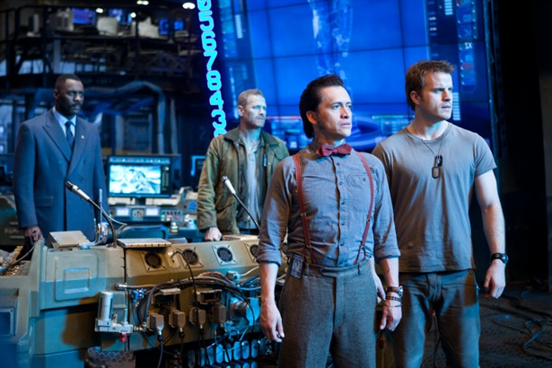 Charlie Hunnam,Idris Elba,Max Martini