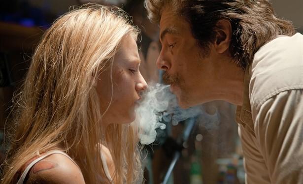 Benicio Del Toro,Blake Lively