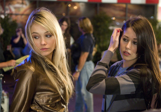 Amanda Crew,Katrina Bowden