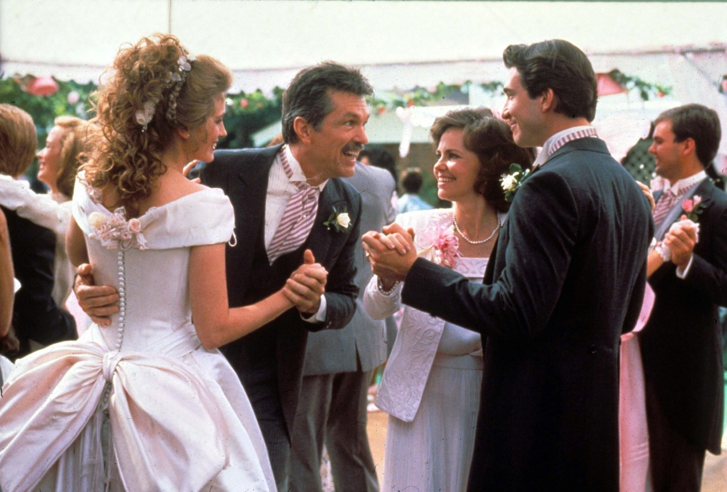 Dylan McDermott,Julia Roberts,Sally Field,Tom Skerritt