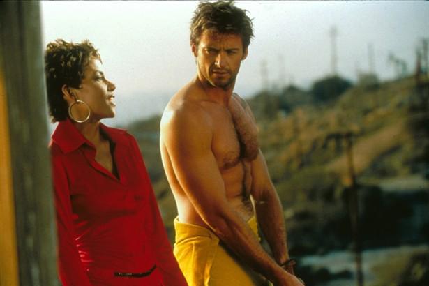 Halle Berry,John Travolta