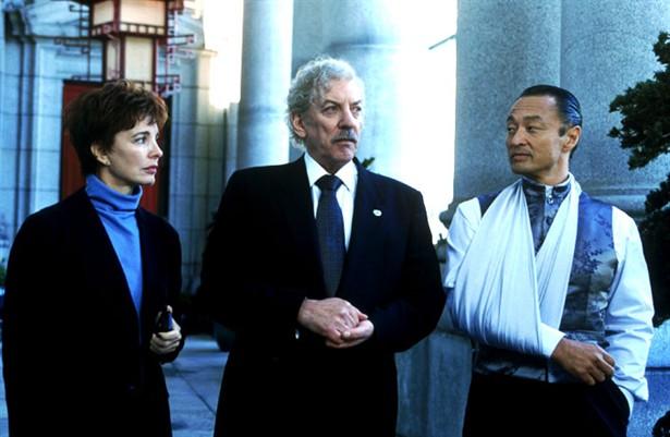 Cary-Hiroyuki Tagawa,Donald Sutherland