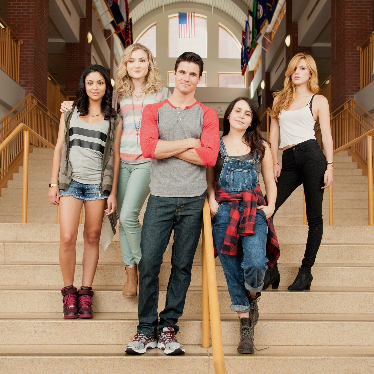 Bella Thorne,Mae Whitman,Robbie Amell