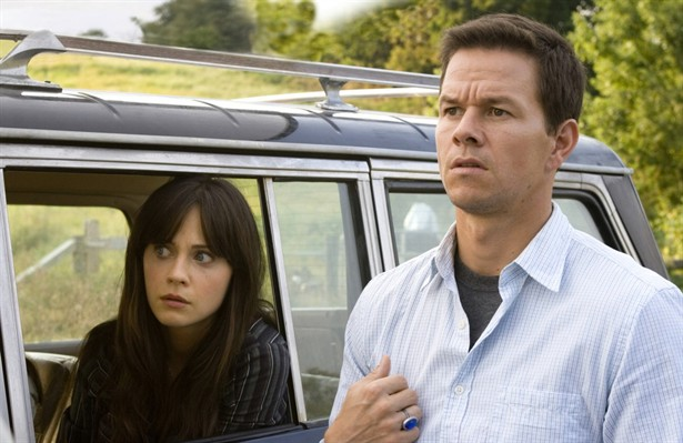 Mark Wahlberg,Zooey Deschanel