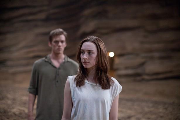 Jake Abel,Saoirse Ronan