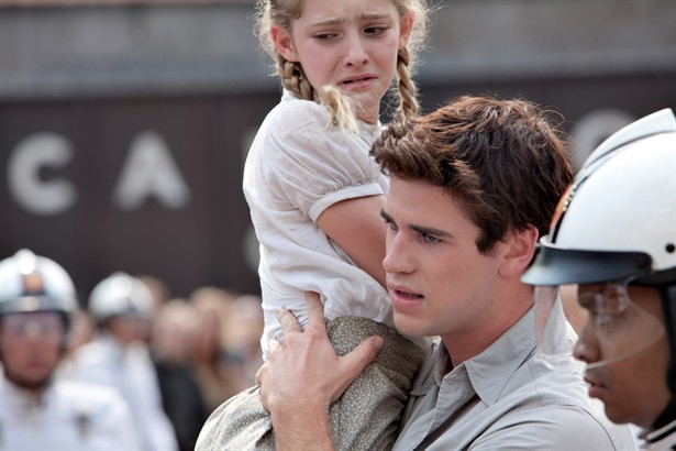 Liam Hemsworth,Willow Shields