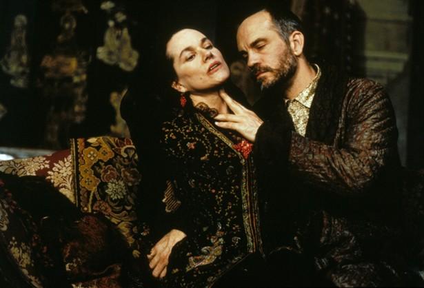 Barbara Hershey,John Malkovich
