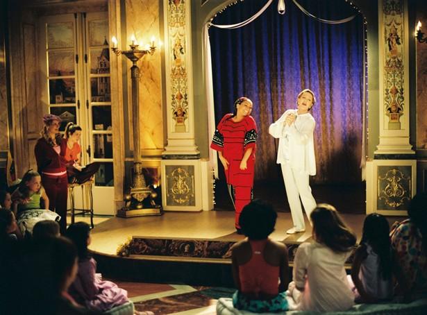 Julie Andrews,Raven Symoné