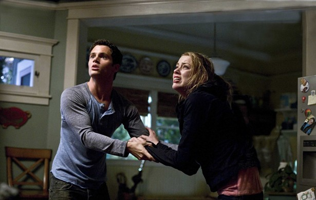 Amber Heard,Penn Badgley