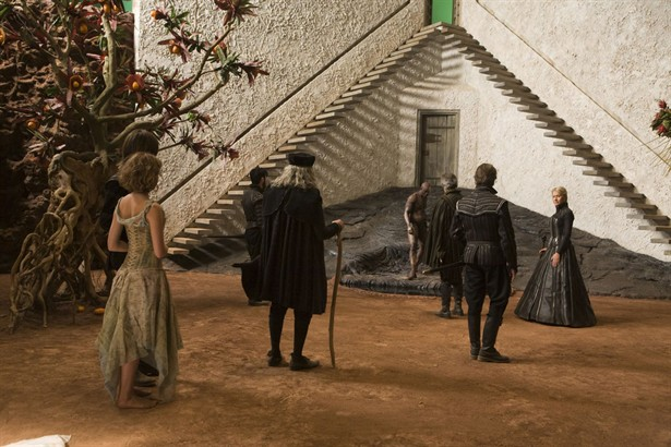 David Strathairn,Djimon Hounsou,Felicity Jones,Helen Mirren