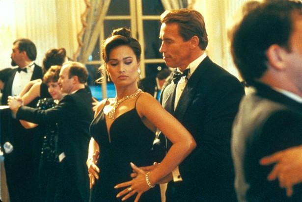 Arnold Schwarzenegger,Tia Carrere