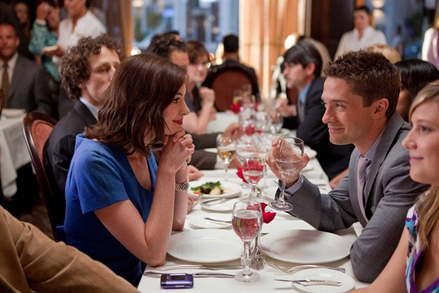 Anne Hathaway,Topher Grace