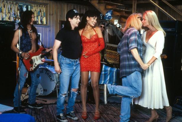 Dana Carvey,Mike Myers,Tia Carrere
