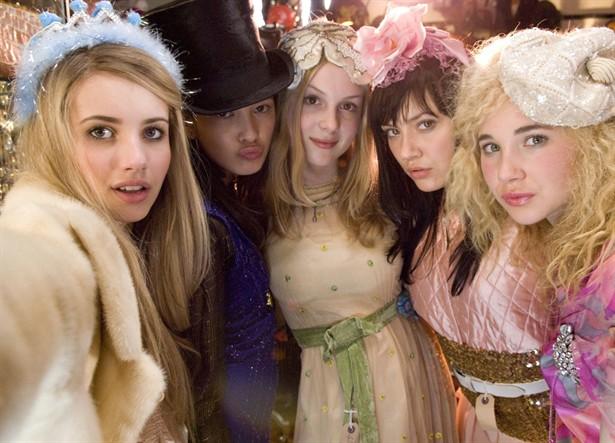 Emma Roberts,Juno Temple,Kimberley Nixon,Shelby Young