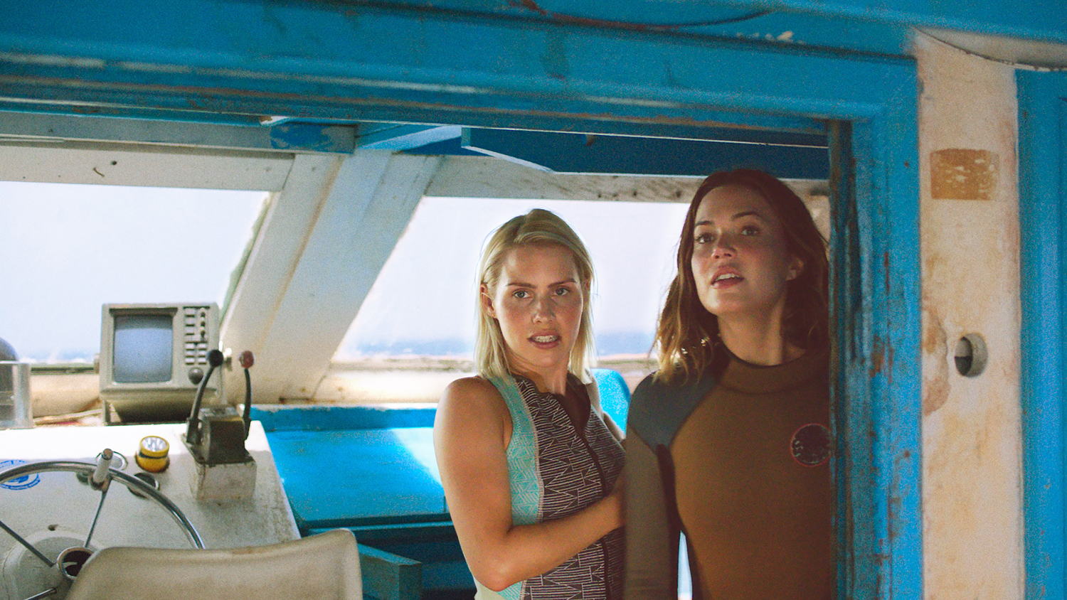 Mandy Moore, Claire Holt
